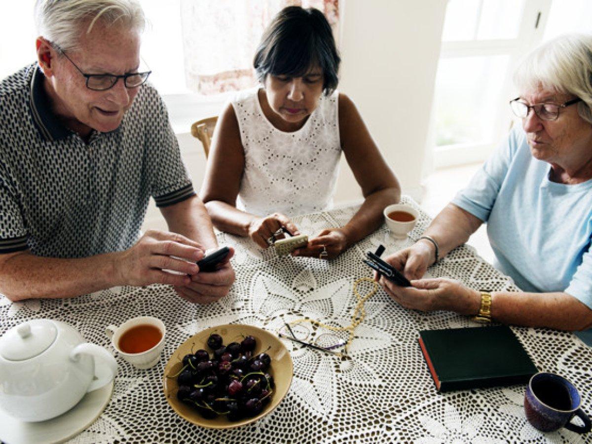 Deelnemers gezocht voor een studie over smartphonegebruik en cognitief functioneren bij 55-plussers